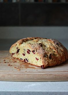 Cranberry Orange Irish Soda Bread recipe - Crusty, buttery, and full of flavor with flecks of orange zest and ruby dried cranberries. This Irish Soda… Irish Soda Bread Recipe, Irish Bread, Sour Recipe, Bread Recipes, Cooking Recipes, Bread Kitchen, Biscuits, Pastry Blender, Irish Recipes