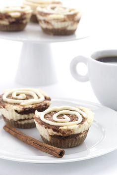 Easy low carb gluten-free mini cheesecake recipe.