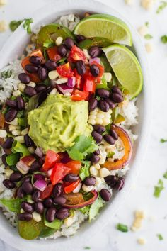 Chipotle Inspired Vegan Burrito Bowl- this homemade burrito bowl comes together . Chipotle Inspired Vegan Burrito Bowl- this homemade burrito bowl comes together in just 30 minutes and makes for great leftovers! Mexican Food Recipes, Whole Food Recipes, Vegetarian Recipes, Healthy Recipes, Vegan Meals, Vegan Food, Salad Recipes, Dinner Recipes, Vegan Chipotle Bowl