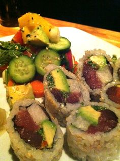 SPICY TUNA SALAD Pan seared ahi tuna spicy with mixed greens, mango ...