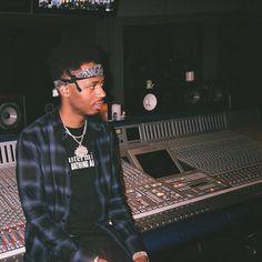 Mode Hip Hop, Hip Hop Rap, Hip Hop Producers, Mirrored Sunglasses, Mens Sunglasses, Now A Days, Renaissance Men, All I Ever Wanted, Perfect Timing
