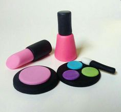 Edible Makeup Cake Toppers How To Make Cosmetics By Pink Fondant Accessories Pinterest Cakes Cosmeticakeup