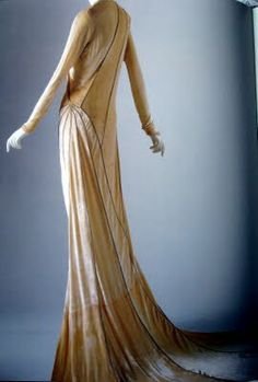 Lesley Turner: Madeleine Vionnet and Art Deco | More on the myLusciousLife blog: www.mylusciouslife.com