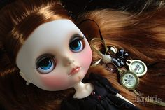 "Customização ""Blythe Adele"" por Gisele Bianchini"