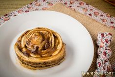 Banana Cinnamon Rolls   Home of The 80/10/10 Diet by Dr. Douglas Graham, Low-Fat Vegan Raw Food Health, Fitness, and Sports Performance