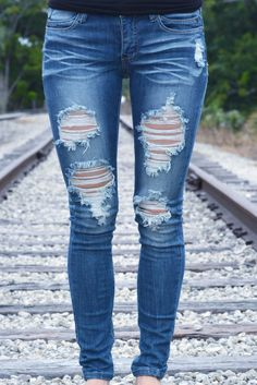 MACHINE Destroyed Skinny Jeans Dark Blue Shop Simply Me Boutique – Simply Me Boutique