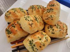 Bułeczki czosnkowe Polish Recipes, Polish Food, Bread Rolls, Lunch Recipes, Bagel, Sweets, Cheese, Dinner, Cooking