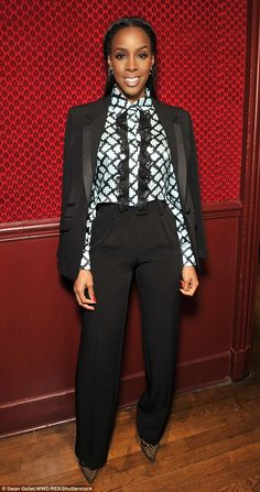 So chic! Kelly Rowland cut a tailored figure on Friday as she attended Emanuel Ungaro's PFW presentation