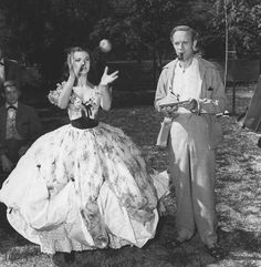 Vivian Leigh and Leslie Howard on the set of Gone With The Wind