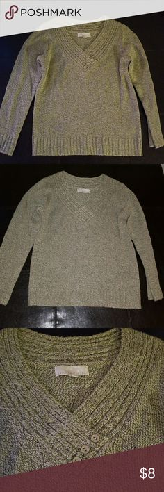 Carolyn Taylor Green Sweater Carolyn Taylor green sweater in good used condition. Vneck with shawl and button detailing. Size small. Carolyn Taylor Sweaters