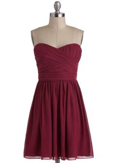 Another ridiculous cute dress. I just love strapless dresses. So easy to dress up or down. I love Modcloth.
