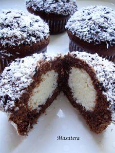 Recepti iz moje bilježnice: Čokoldani muffini sa srcem od kokosa by irena23