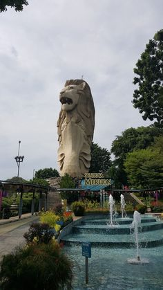 A guide to #Singapore - Merlion #travel - Asia