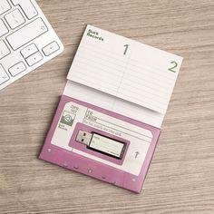 Gestalte eine USB Mixkassette.   25 einzigartige Weihnachtsgeschenke, die Musikfans selbst behalten wollen