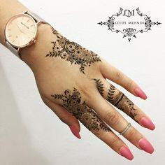 """1,935 Likes, 35 Comments - Henna Tattoo & Mandala Art (@leedsmehndi) on Instagram: """"Eid henna #eid2017 #eidhenna #acrylicnails #diamond #brideandgroom #indianhenna…"""""""