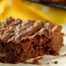 This Chocolate Ale Fruit Cake Recipe is featured on Baking Mad with Eric Lanlard on Channel Chocolate Banana Brownies, Cadbury Chocolate, Cadbury Brownies, Brownie Recipes, Cake Recipes, Cadbury Recipes, Cadbury Dairy Milk, Cooking With Beer, Bread And Butter Pudding