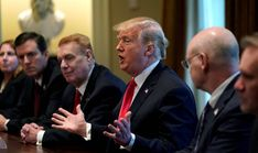 Donald Trump no frena. El presidente de Estados Unidos parece decidido a un cuerpo a cuerpo comercial con Europa. #news #europe #donaldtrump #world #cars #spain http://www.miblogdenoticias1409.com/2018/03/trump-amenaza-con-fijar-aranceles-sobre.html#more