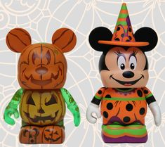 I REALLY want the new Halloween Vinylmation coming to Disney Parks!