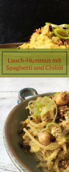 Hummus und Nudeln? Ja, das schmeckt. Sehr gut sogar! Vor allem mit Lauch und Chiliöl kombiniert. Vegetarisch, Nudeln, Pasta, Vegan Vegan Snacks, Vegan Recipes, Vegan Food, Spaghetti, Pesto Pasta, Lunches And Dinners, Hummus, Food Inspiration, Italian Recipes