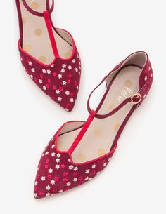 97bd099533fc 45 Best Shoes images in 2019