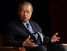 Dr Mahathir Berkeras Mahu Najib Letak Jawatan - http://malaysianreview.com/122600/dr-mahathir-berkeras-mahu-najib-letak-jawatan/