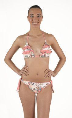 Bikini in lycra triangolo imbottitura estraibile. Base scorrevole a tendina. Con doppia balza e slip fiocco regolabile | Eleonora Lingerie