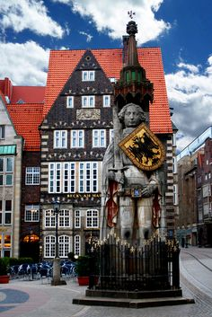 Bremen / Roland Bremen / Roland The post Bremen / Roland appeared first on Deutschland. Places To Travel, Places To See, Travel Around The World, Around The Worlds, Pictures Of Germany, Europe Centrale, Bremen Germany, Voyage Europe, Germany Travel