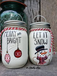 painted mason jars The listing is for the set of are new mini Ball mason spice jars that i chalk painted & then free hand painted the scenes and words with acrylic paint. Each jar i Mason Jar Projects, Mason Jar Crafts, Mason Jar Diy, Bottle Crafts, Snow Man Mason Jar, Christmas Mason Jars, Mini Christmas Tree, Christmas Crafts, Christmas Ornaments