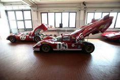 """""""Rouge paire"""" © Henri Thibault - 17 mars 2014 La #Ferrari512S « Coda Lunga » N°15 de Parkes / Müller pour les #24HduMans 1970 et la #Ferrari330P4 N°21 de Parkes / Scarfiotti #Parkes #Muller #Scarfiotti #pilot #legend #Ferrari #EnzoFerrari #sport #oldies #Classic #Classics #OldSchool #Racing #MotorSport #endurance #historicracing #LM24 #24LM #WEC #LeMans #FIA cc @ferrarimotorsport @24heuresdumans @24hoursoflemans @fiawec_official"""