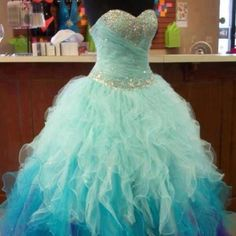 This will be my prom dress some year. So pretty.