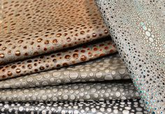 This Collection creates a stunning visual effect. This Leather have a dinamic pattern with a glamour and modern elegance.