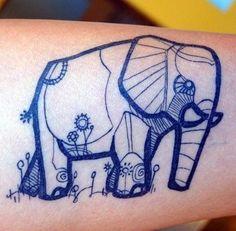 Tatouage d'un éléphant bleu, très graphique.