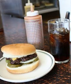 Hudson's Hamburgers in Coeur d' Alene Idaho Yum!!