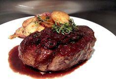 steak red wine sauce recipe men make dinner day steak red wine sauce ...