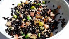 Facebook Twitter Pinterest Google + WhatsApp L'Insalata di riso nero è una fresca e prelibata insalata di riso fatta con un tipo speciale di riso, il riso nero, che non è il riso Venere, infatti il riso Venere è ottenuto dall'incrocio del riso nero originario della Cina, con un riso della Pianura Padana. L'insalata di […]