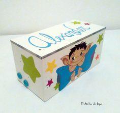 Caja de madera decorada y personalizada - Duende #decoracióncreativa #regalospersonalizados #decoracióninfantil #hechoamano www.facebook.com/elatelierdeagus