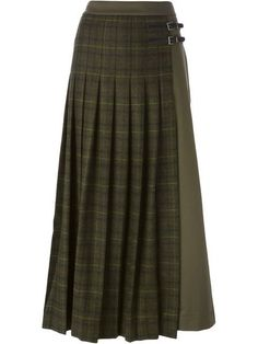 long plaid skirt Source by jotosh Long Green Skirt, Green Plaid Skirt, Long Plaid Skirt, Plaid Skirts, Green Maxi, Denim Skirt Outfits, Plaid Outfits, Ankle Length Skirt, Moda Casual