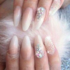 Top 150 Rhinestones nail and Swarovski nail crystals 2018 Rhinestone Nails, Bling Nails, Glitter Nails, Swarovski Nail Crystals, Crystal Nails, Bridal Nails, Wedding Nails, Rose Wedding, Trendy Nails
