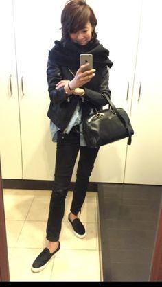 50 Fashion, Denim Fashion, Winter Fashion, Womens Fashion, Fashion Ideas, Black Leather Jacket Outfit, Anna Wintour Style, Winter Outfits, Casual Outfits