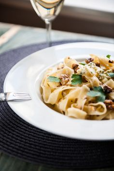 Pasta with gorgonzola and walnuts
