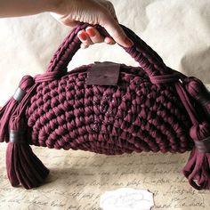 Cêis guenta um trem chic desses?! Eu num guento tanta lindeza assim numa peça só. UAI. From @by_sokolovalena #crochê #inspiration #inspiração #fiodemalhaecológico #façavocêmesmo #diy #crochet #craft #artesanato #handmade #instacrochet