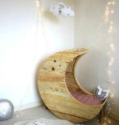Cosmic Crescent-Shaped Cribs : cute baby crib
