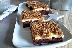 """Blechkuchen """"Gebrannte Mandeln"""" Sheet cake """"Burnt almonds"""", a tasty recipe from the category cake. Baking Tips, Baking Recipes, How To Make Pizza, Pudding Desserts, Roasted Almonds, Nutrition, Bakery, Food And Drink, Yummy Food"""