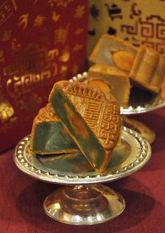 Mid Autumn Festival 2015 Halal Certified Mooncakes @ The Emperor, Dorsett Grand Subang Mooncake, Mid Autumn Festival, Emperor, Lifestyle, Desserts, Food, Tailgate Desserts, Deserts, Essen