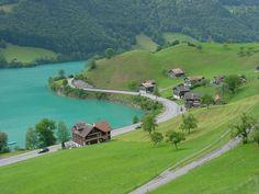Lake Lungern, Switzerland - https://www.facebook.com/UnbelievablePlacesAroundTheworld/photos/pcb.2011580115780159/2011579765780194/?type=3&theater