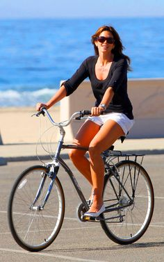 Cindy Crawford #Cycling