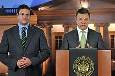 """ABC News USA: """"President Juan Manuel Santos announced Tuesday evening that a man he described as Colombia's last big-time drug lord had been captured in neighboring Venezuela. It was the third arrest of a purported Colombian drug boss in the last year. Santos said alleged drug boss Daniel """"Loco"""" Barrera was arrested in the Venezuelan city of San Cristobal after months of multinational cooperation...'The last of the great capos has fallen.'""""  #colombia #latin #sociology"""