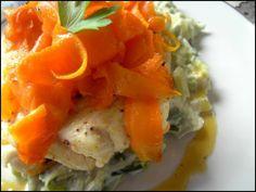 Dos cabillaud, marinade mandarine, fondue poireaux, tagliatelles de carottes    --- http://www.jojocuisine.fr/article-dos-de-cabillaud-vapeur-marinade-mandarine-fondue-de-poireaux-et-tagliatelles-de-carottes-103857894.html