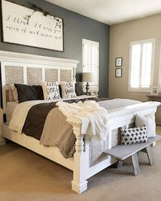 Small Master Bedroom Ideas for Couples Decor. The ideas presented in this article will be of great use while you are preparing to decorate a master bedroom, especially if you have a small master bedroom. Home Decor Bedroom, Bedroom Makeover, Master Bedrooms Decor, Shabby Chic Bedrooms, Small Master Bedroom, Home, Modern Farmhouse Master Bedroom, Remodel Bedroom, Home Decor