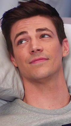Me when you know what is going on. Hot Actors, Actors & Actresses, Grant Gusting, Berry Allen, Series Dc, Flash Barry Allen, The Flash Grant Gustin, Snowbarry, Celebrity Crush